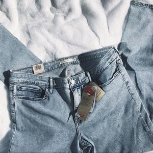 Levi's Jeans - Levi's 711 Skinny Jeans size 32